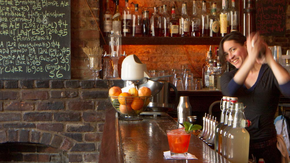 Classic New Orleans Cocktails at Bar Tonique