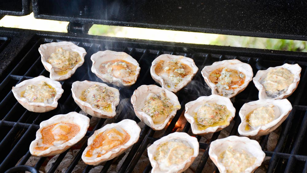 Loftin Oysters - Grilling - photography courtesy of Geren Heurtin